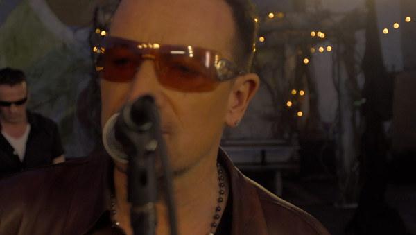 U2 > News > Sunday Bloody Sunday for agit8