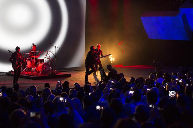 U2 > Gallery > Songs Of Innocence